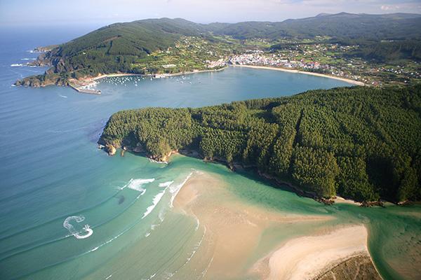El bello pueblo de Cedeira en A Coruña
