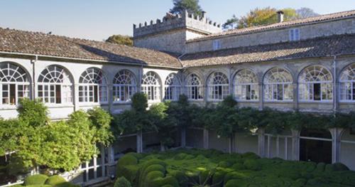 05 04 pazo san lorenzo patio interior