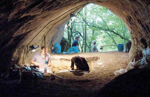 cueva eiros excavaciones
